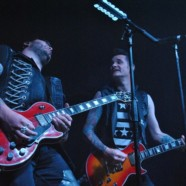 Hinder makes a statement in Pittsburgh