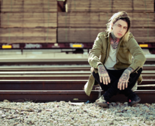 FALLING IN REVERSE DEBUT VIDEO FOR COMING HOME