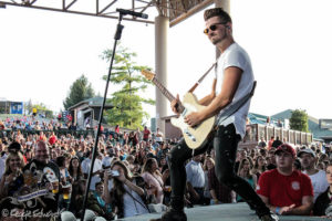 Click photo for full Chase Bryant Gallery