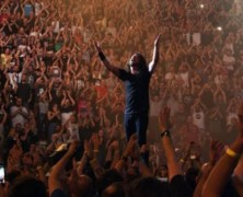 Foo Fighters and Landmarks Give Fans Sneak Preview of Nov 10 Television Event