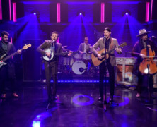 The Avett Brothers debut new music on Late Night with Seth Meyers