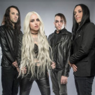 "Stitched Up Heart Premieres New Track ""Straitjacket"""